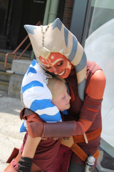 Hugs from her Star Wars hero